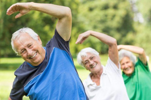 Quais práticas corporais podem ser promovidas na Atenção Básica/Atenção Primária à Saúde visando a prevenção e promoção da saúde do idoso?
